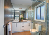 EntertainerDisplay Home Photo's Ensuite (2)